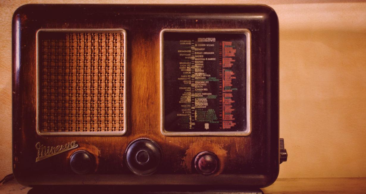 vielle radio vintage